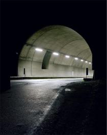 "Luca Andreoni / Antonio Fortugno, from the series ""Non si fa in tempo ad avere paura"" (There is no time to be afraid)(Tunnel), 2005-2006. Deutsche Bank Collection. © the artists"