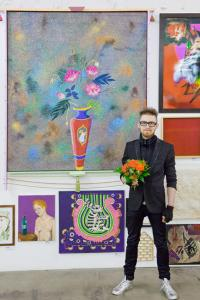 Nicolas Fontaine, winner of the jury prize, in front of his work. Photo: Daisy Loewl. � Deutsche Bank KunstHalle