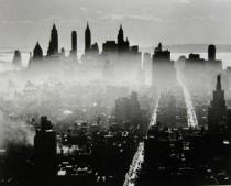 Andreas Feininger, View from Midtown Manhatten on Lower Manhatten, from: New York und Chicago in the Fourties, New York, ca. 1941. Deutsche Bank Collection