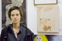 Lena Ader, winner of the jury prize, in front of her work in MACHT KUNST 2. Photo: Daisy Loewl. � Deutsche Bank KunstHalle