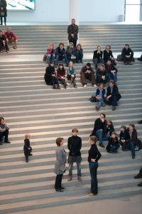 1. Performance �Olaf Nicolai � Escalier du Chant� in derPinakothek der Moderne |30 Jan, 2011. Courtesy Galerie EIGEN +ART Leipzig/Berlin. Photo: Haydar Koyupinar. � Pinakothek der Moderne, Bayerische Staatsgem�ldesammlungen