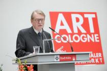 Gallerist Fred Jahn at the award ceremony of the Art Cologne Prize. Courtesy Art Cologne
