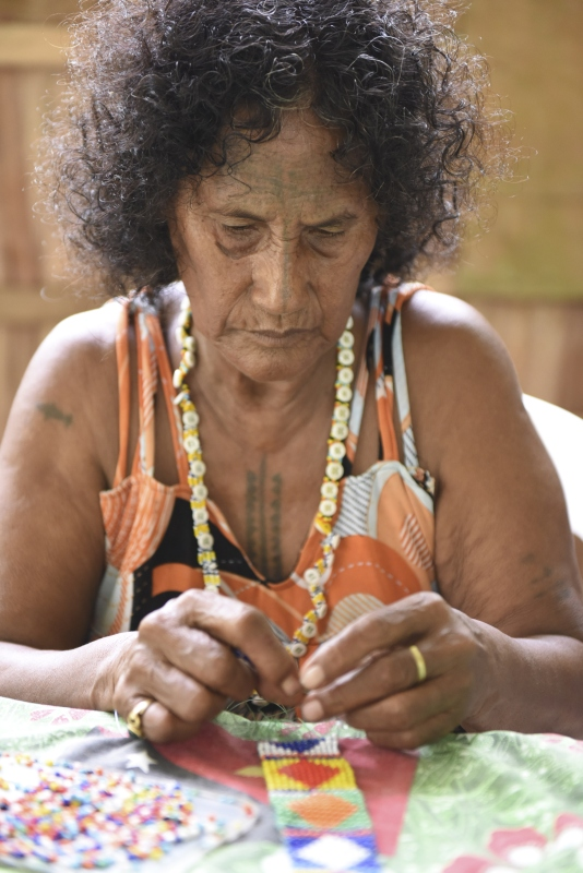 Aida Hito Pais, beading. Women's Wealth workshop. Nazareth Rehabilitation Centre 2017, Chabai, Autonomous Region of Bougainville. Photograph: Taloi Havini
